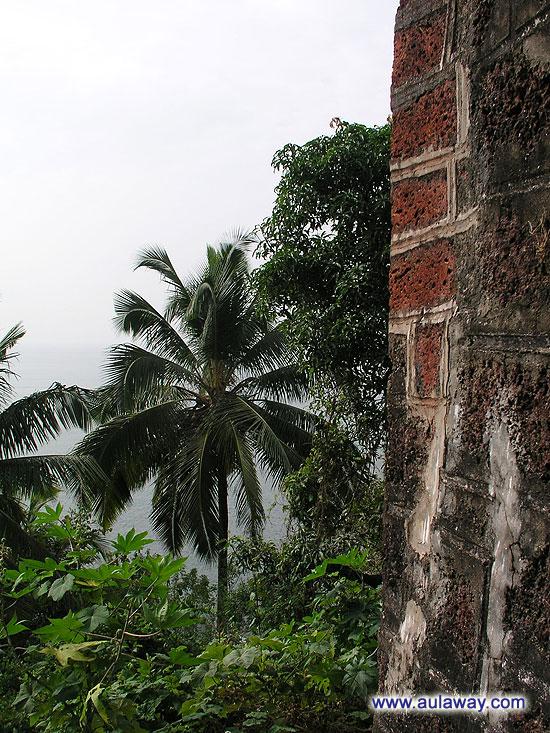 Тираколь Форт. Вид со стены.