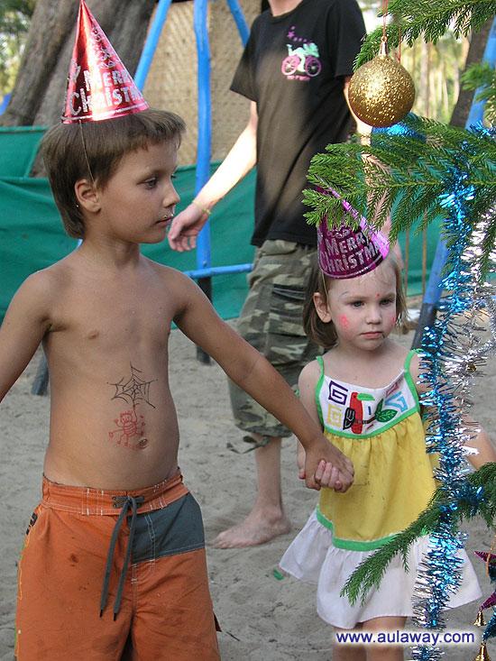 Детки в гоа на рождество