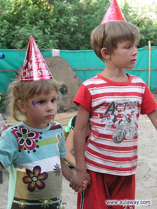 Дети в индии на рождество