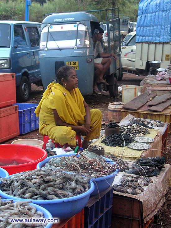 Рыбный рынок близ Сиолима.