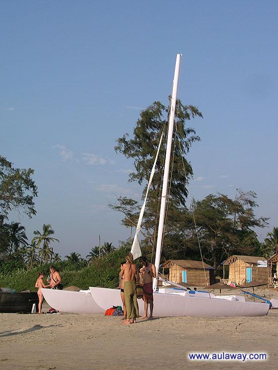 Вдоль пляжа Арамболь