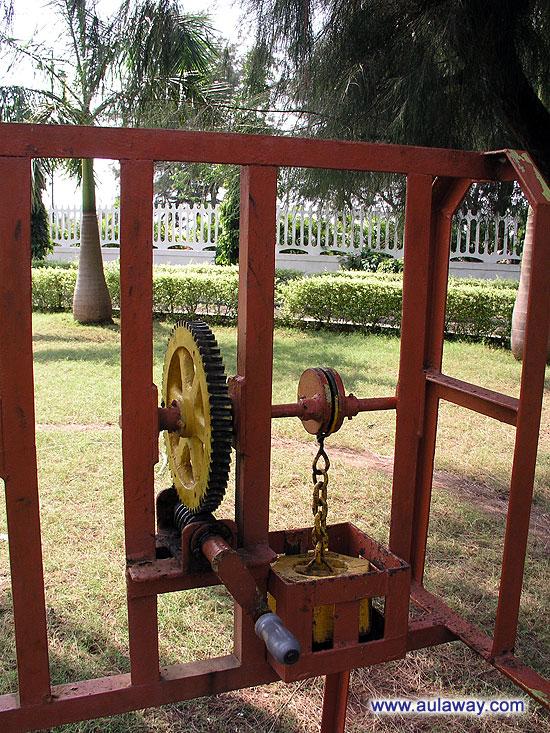 Worm Wheel. Винтовая шестерня. Научный центр Гоа.