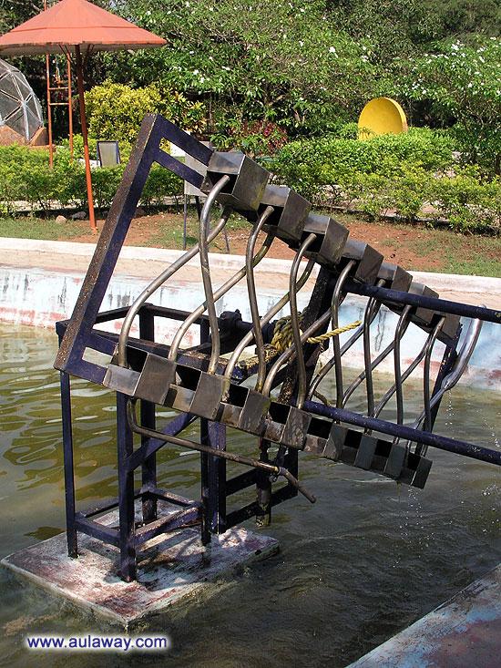 Поднять воду над бассейном