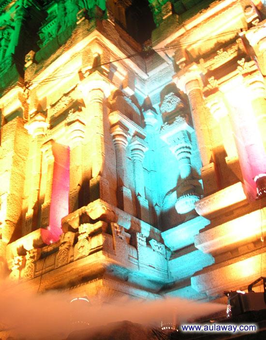Храм Вирупакши в Хампи. Еще один его фрагмент.