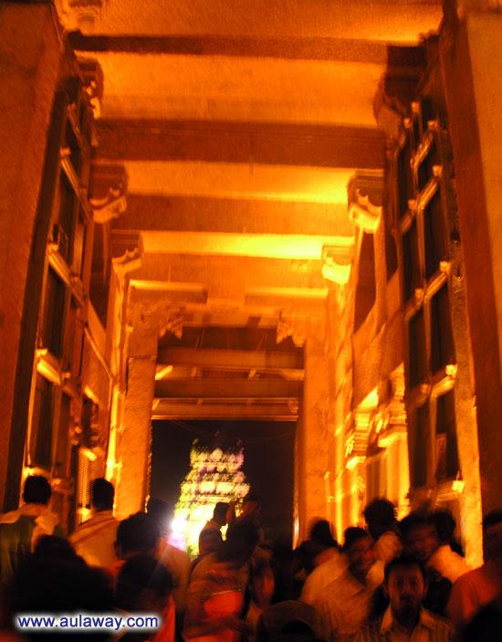 Храм Вирупакши в Хампи. Вход.