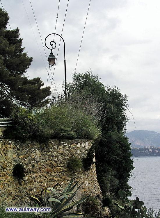 Вид со скалы княжества Монако