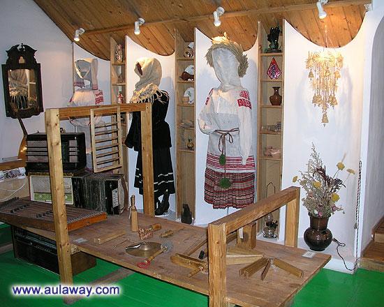 Старо белорусские костюмы в музее Дудудки
