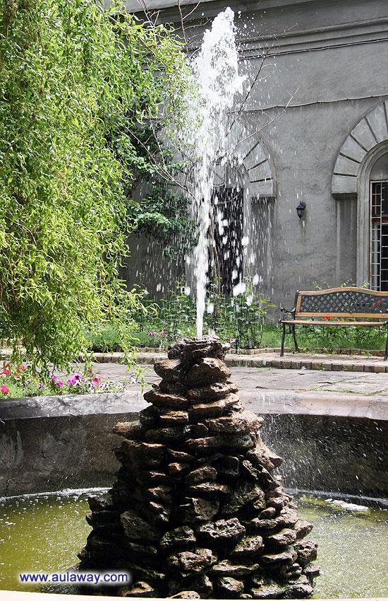 Фонтанчик во внутреннем дворике музея Одессы
