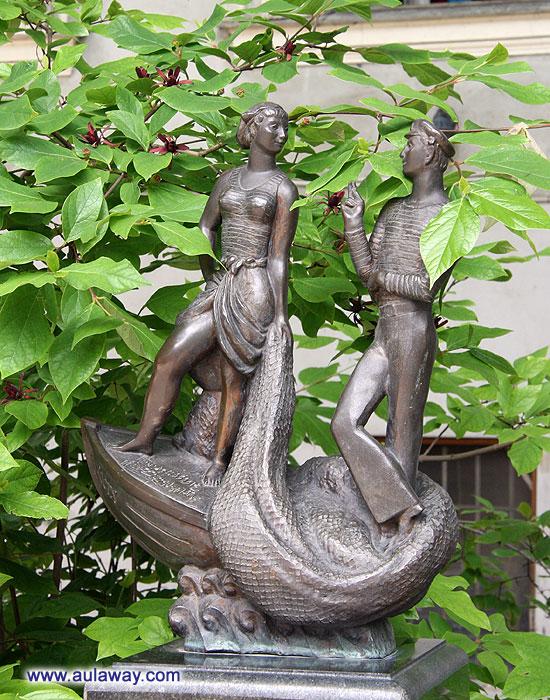Скульптурная композиция «Шаланды, полные кефали…»