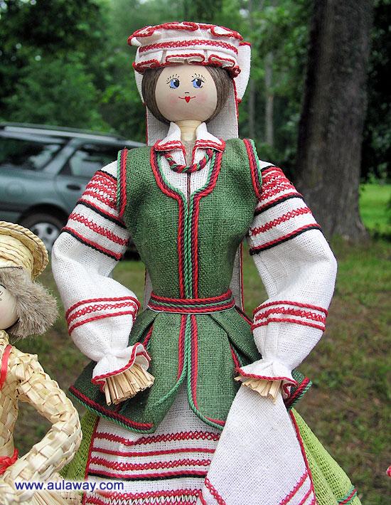 Творения белорусских мастеров. Соломенная кукла.