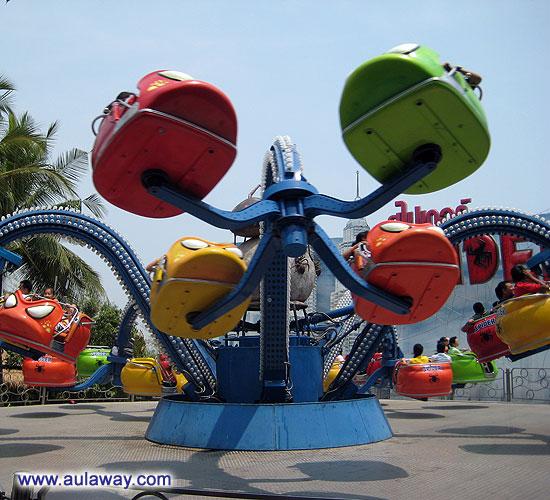 Dream World. Тайланд. Кислотные карусели.