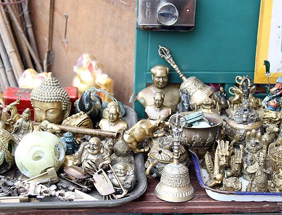 Буддизм в Китае: статуэтки и атрибутика.