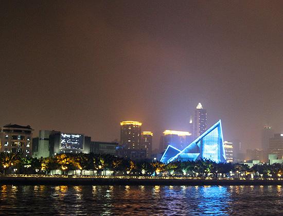 Ночная прогулка по реке.