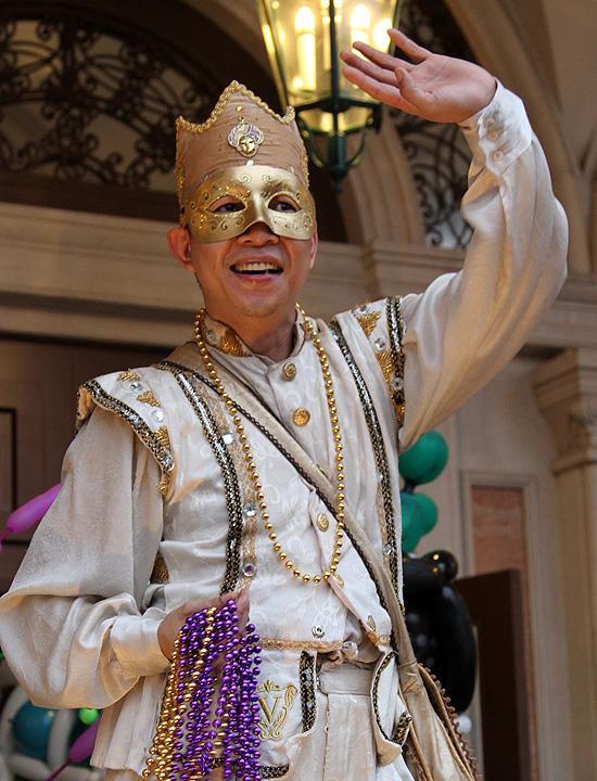 Венецианский карнавал-маскарад в Макао