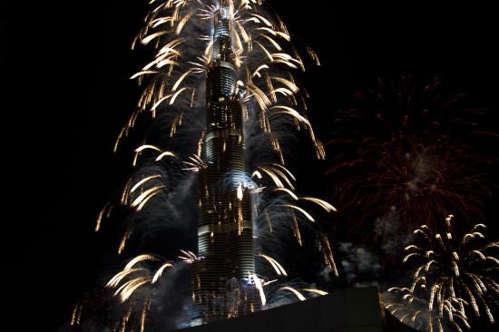 Салют в Дубае, фейерверк в Дубае.