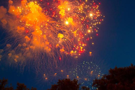 Салют на праздник города в Минске 3 июля.
